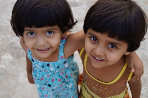 two-girls-having-fun-4912x3264_36487